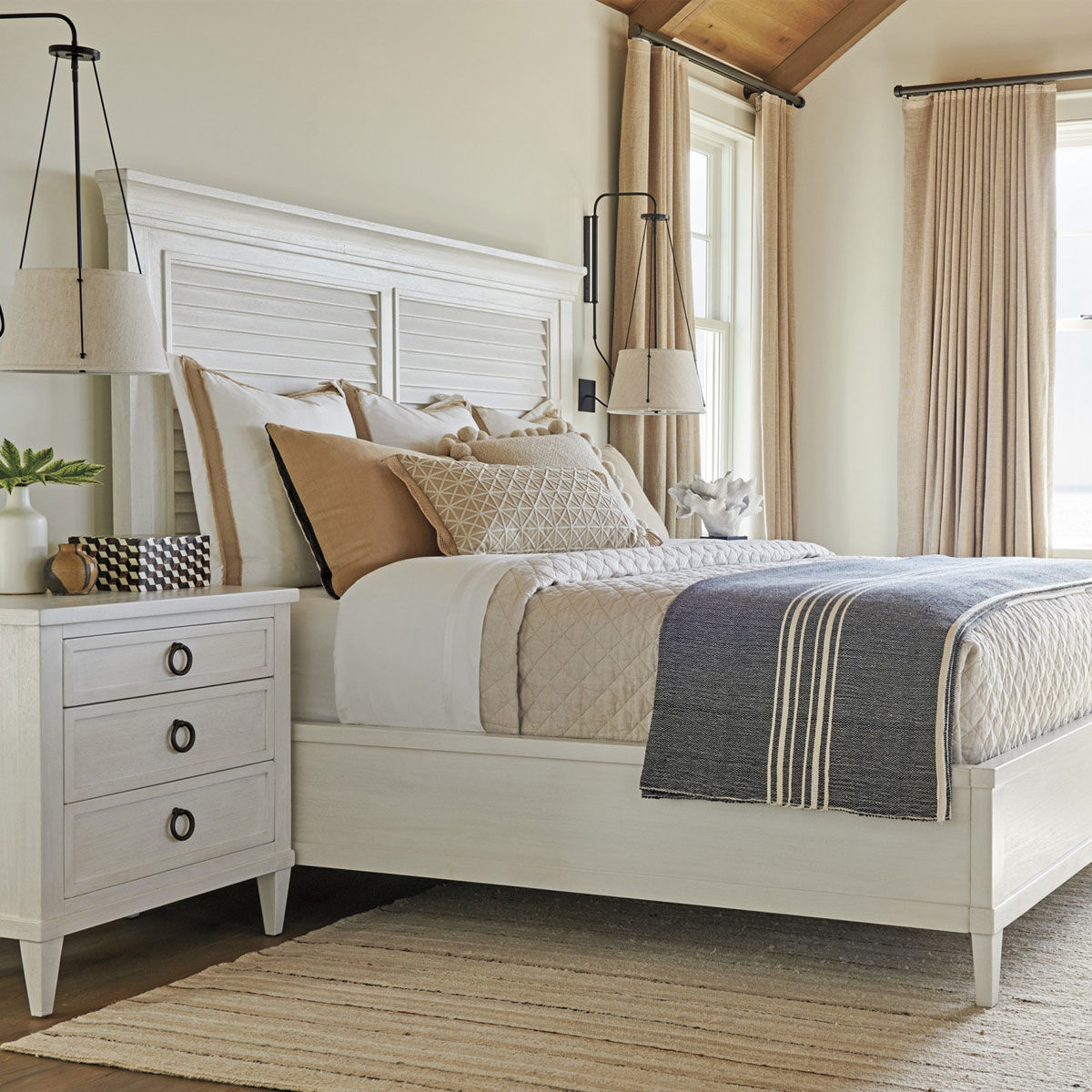 Picture of ROYAL PALM LOUVERED BED