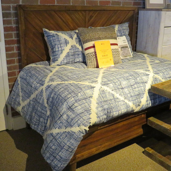 Picture of CLAPTON QUEEN BED ASIS KIT