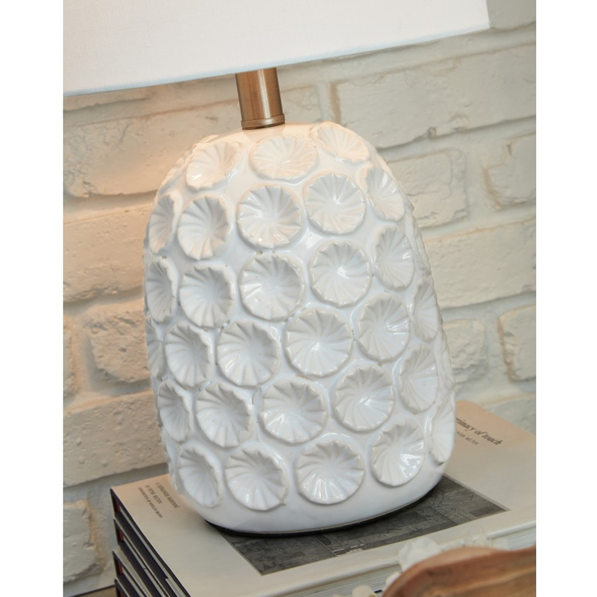Picture of MOORBANK WHITE TABLE LAMP